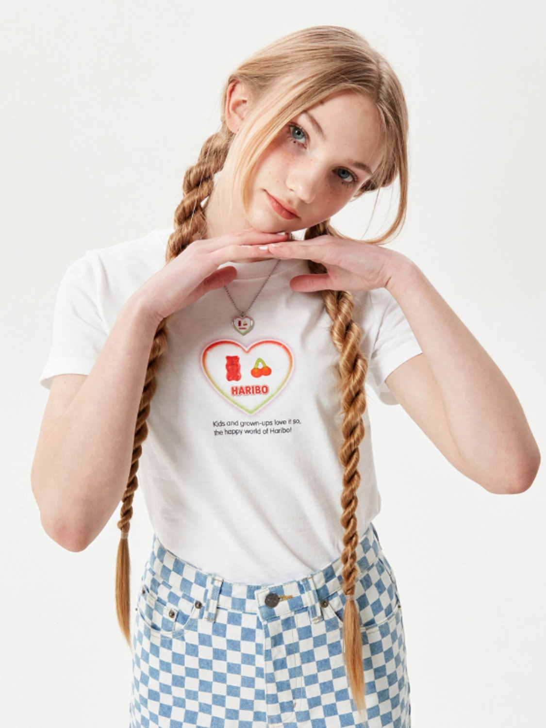 (4월 16일 예약발송)HARIBO HEART GRAPHIC T-SHIRT [WHITE]